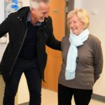 NUFC LEGEND VISITS SIR BOBBY ROBSON CANCER CENTRE